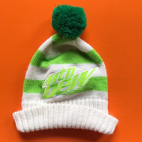 b0f8cc1c349 Funky Vintage knit neon green Mountain Dew beanie.  M 5bbe3f6ecdc7f7b202b54c49